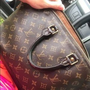 Louis Vuitton Bags - Authentic Louis Vuitton Alma PM.